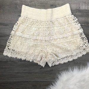 Blue Island Beige Crochet Shorts XL